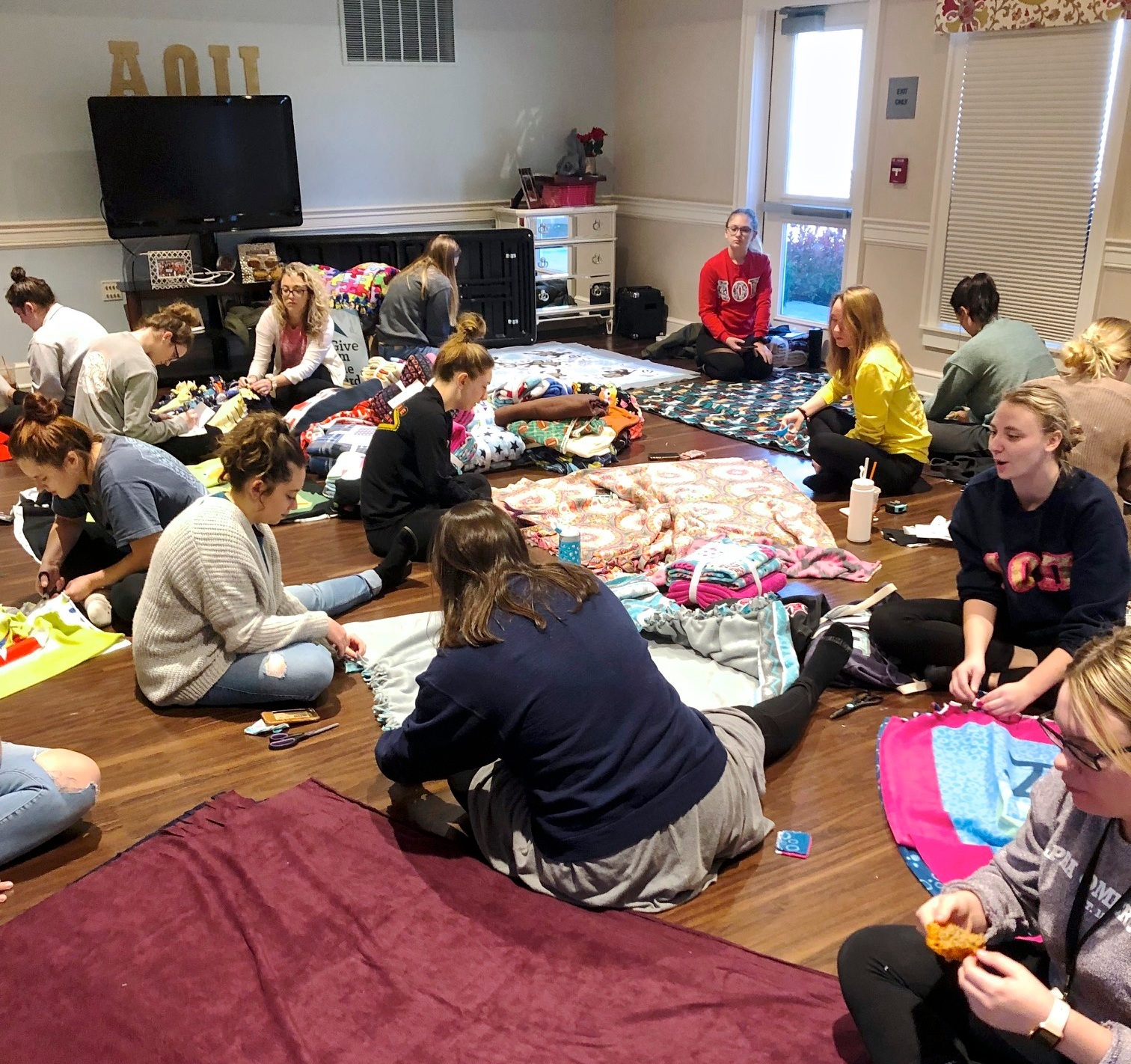 These amazing young ladies from Alpha Omicron Pi, Bowling Green State University in Ohio made 74 Fleece Blankets for HopefullRI. They fundraised, had meetings, purchased fleece, made blankets, shipped all the blankets to Rhode Island and studied! Wow we are so grateful to AOII at BGSU!