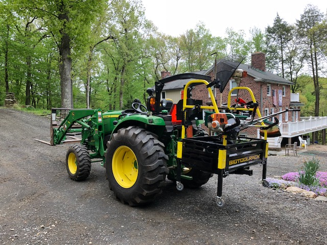 John Deere 4052R with the Bigtoolrack