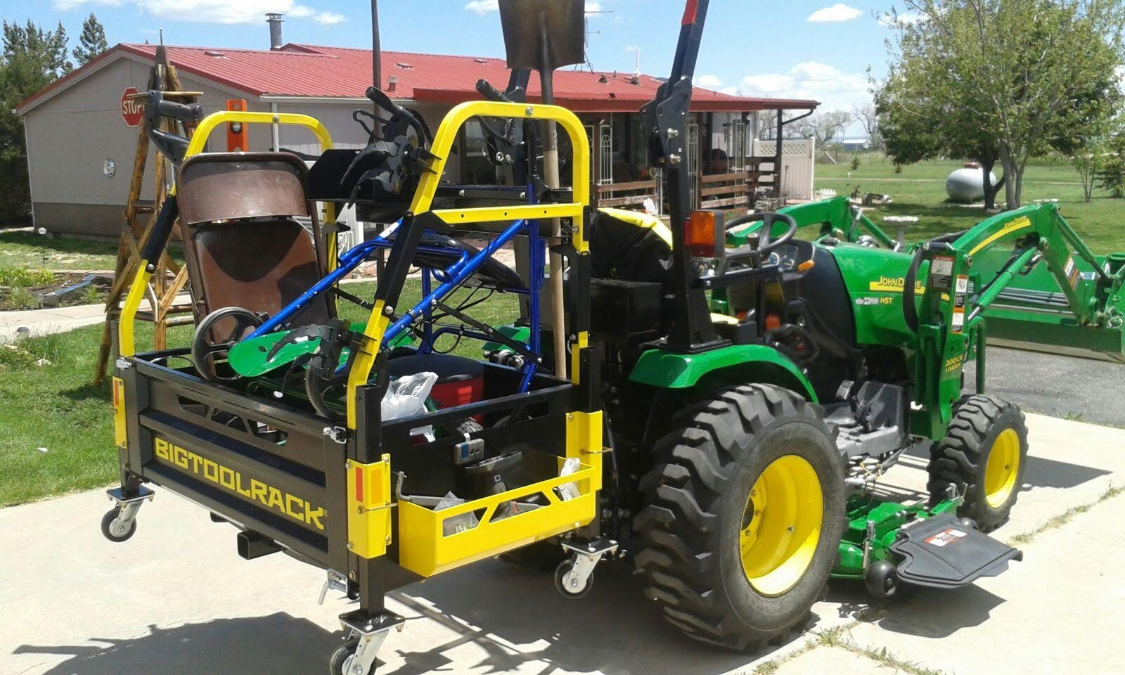 Bigtoolrack on a John Deere 2320
