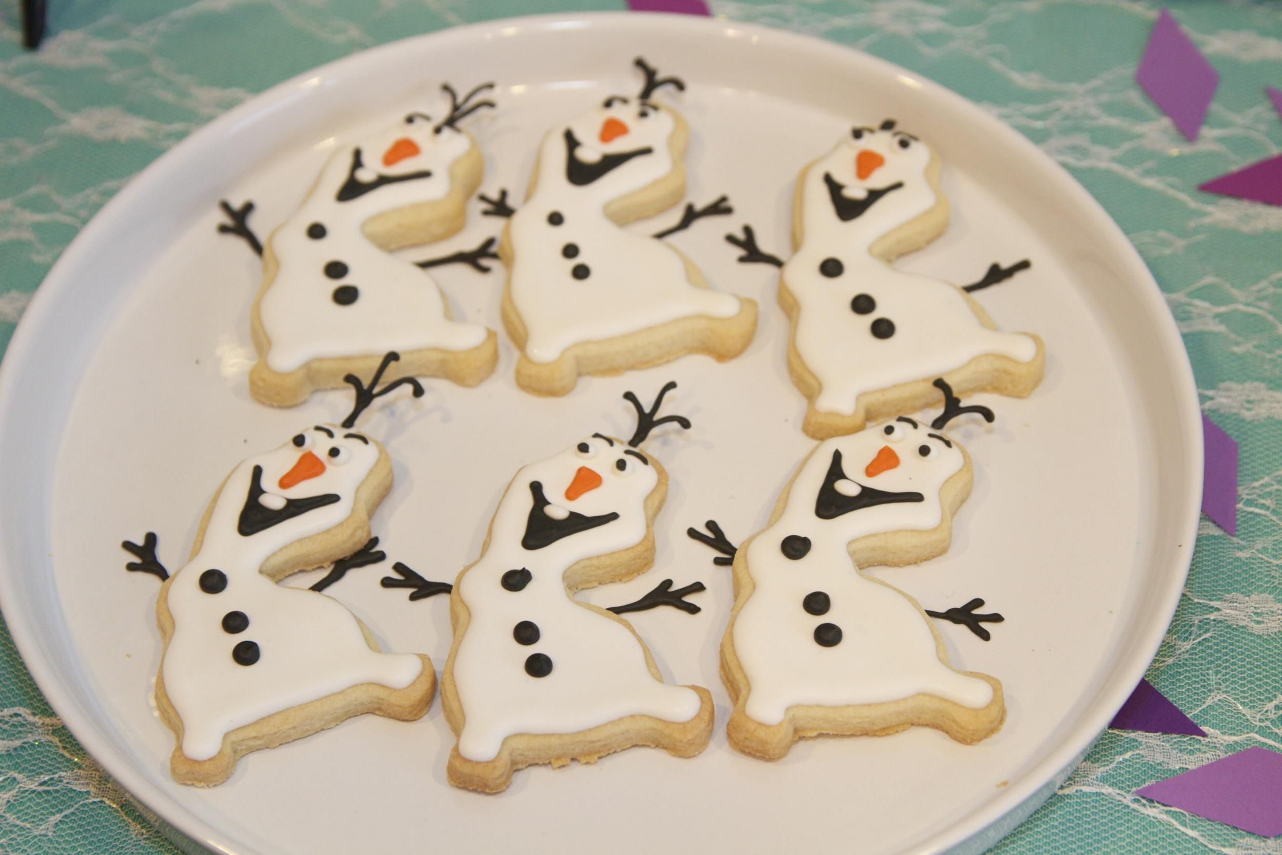 Olaf dancing cookies!