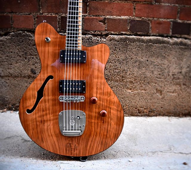 The Cavo MKII. First time using curly redwood, and it SHALL not be our last. - - #offset #hollowbody #335 #style #new #different #curly #redwood #handmade #vintage #inspired #custom #scero #pueblo #colorado #mastery #porterloaded #brazilian #rosewood