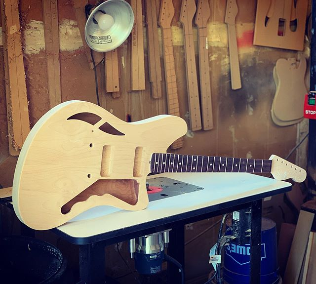 Our latest offset, waiting for its turn in the booth of spraying. - - #offset #tono #tone #jm #jazz #jazzmaster #custom #handmade #love #godisgood #thankgod #semihollow #hollowbody #guitars #gear #mcnelly #pueblo #colorado #scero