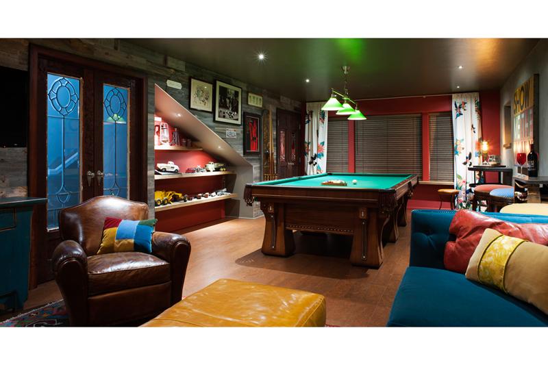 man-cave-billiards-room-with-reclaimed-woodx700.jpg