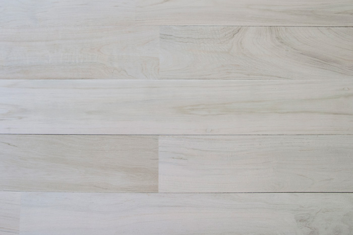 WHITE-WASHED RECLAIMED TEAK WOOD