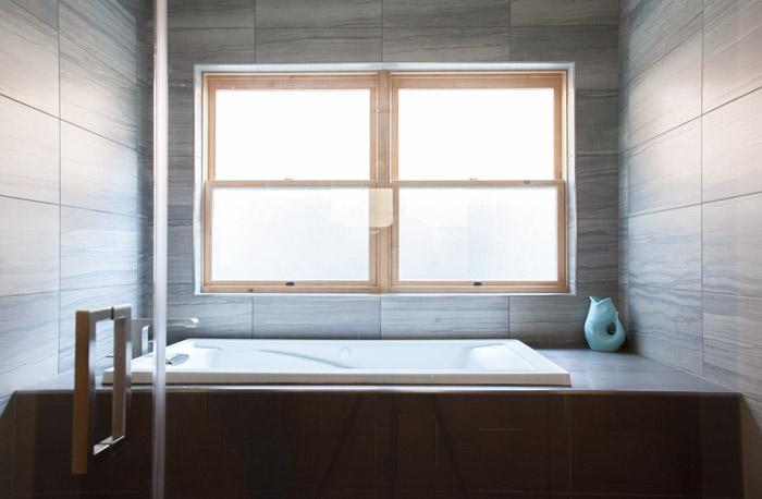 _MG_1049-bathroom-m.jpg