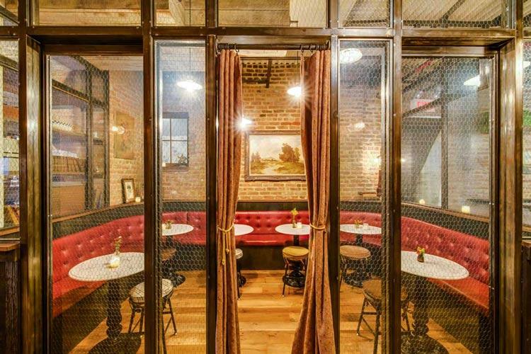 reclaimed-european-cut-rustic-oak-floors-at-pub-x750.jpg