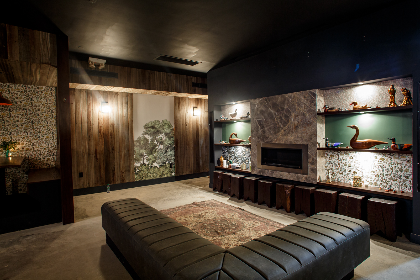lounge-reclaimed-wood.jpg