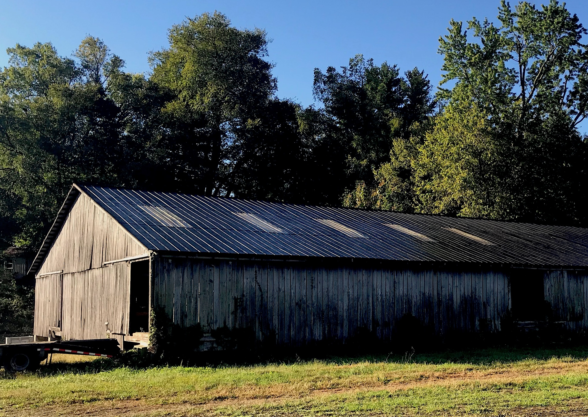 One of the barns in the Eastern US disassembled for our Sawmill Oak product.