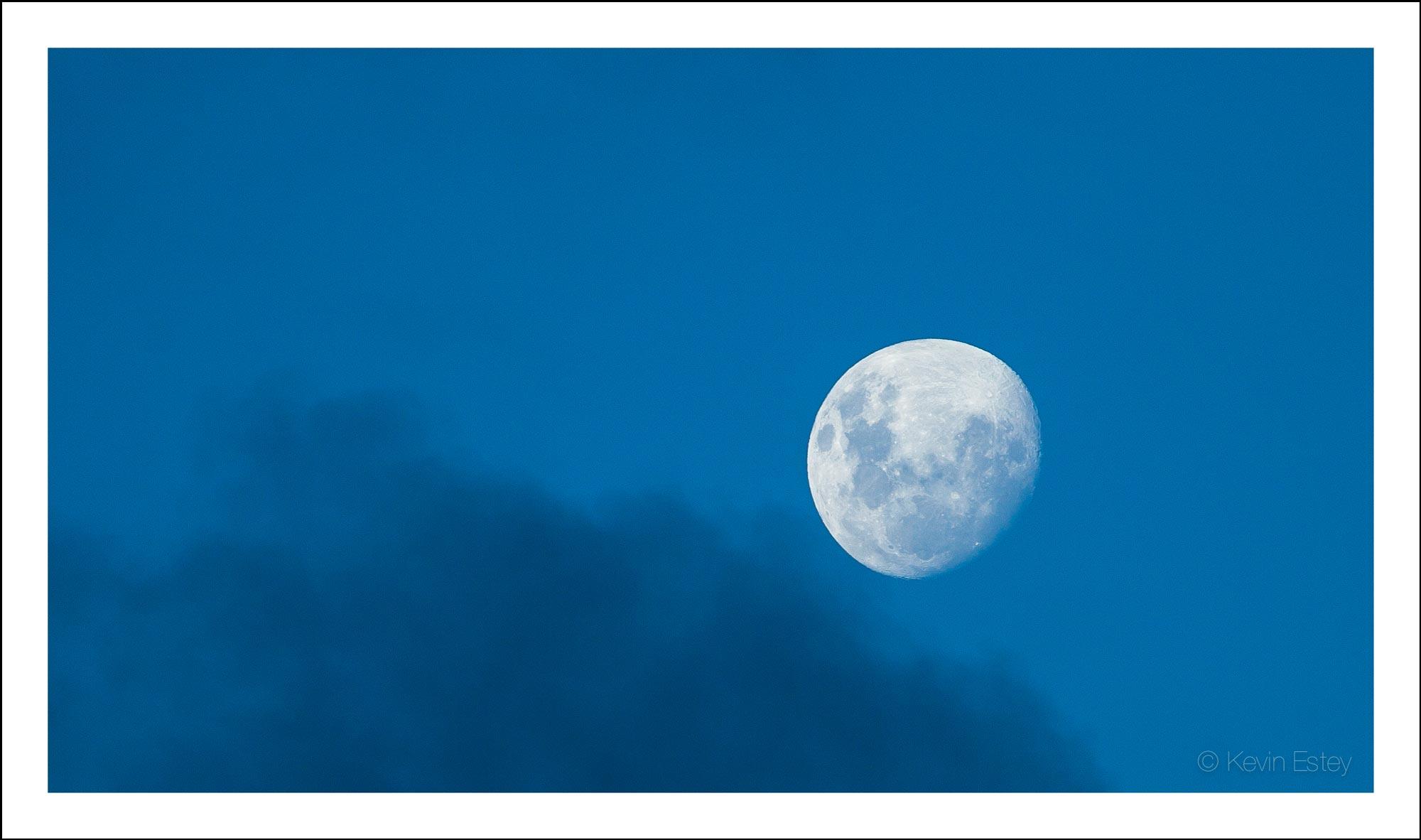 moon_WEB.jpg