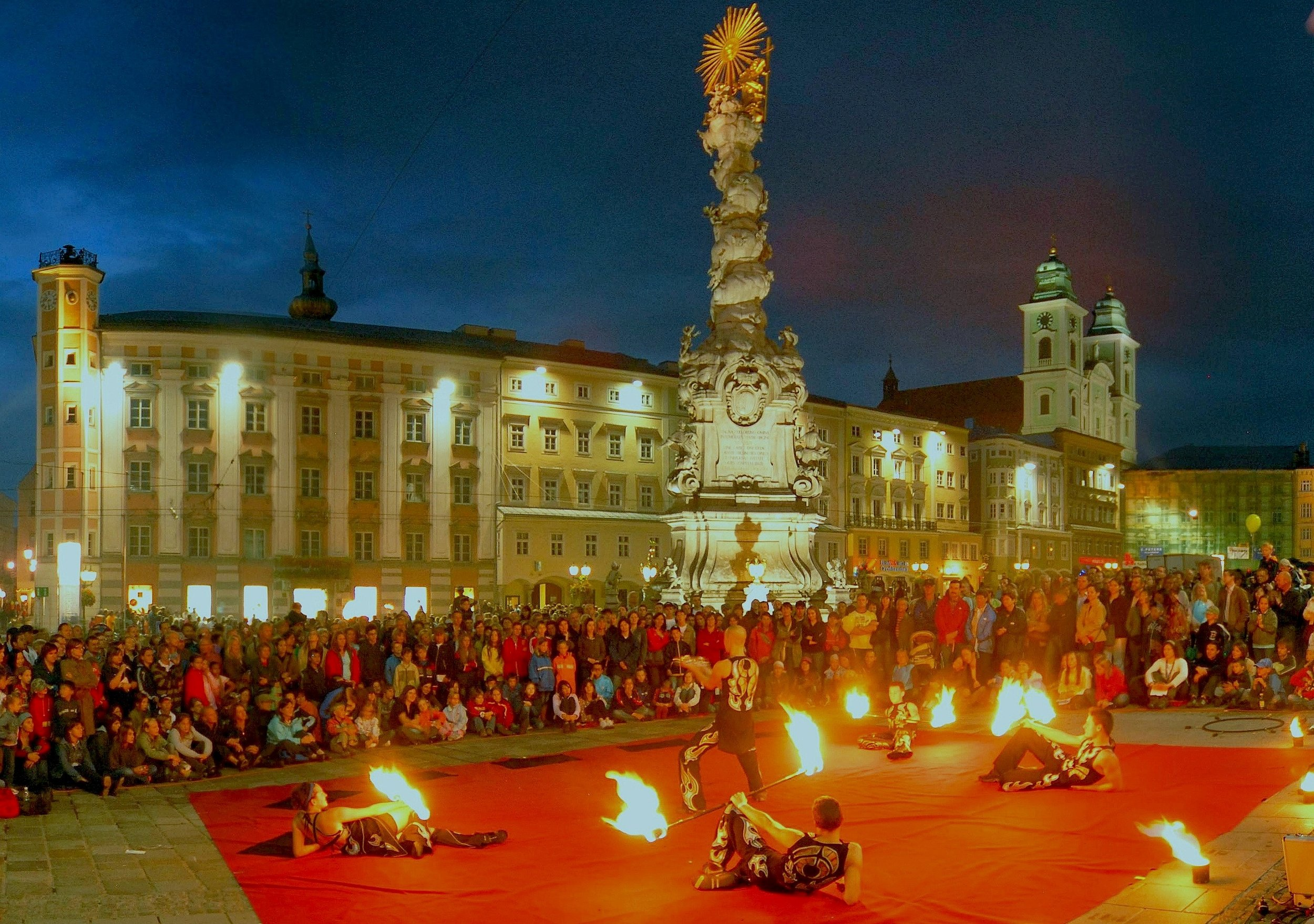 FlameOz Fire Show - 5 person fire show Austria - Hi Res.jpg