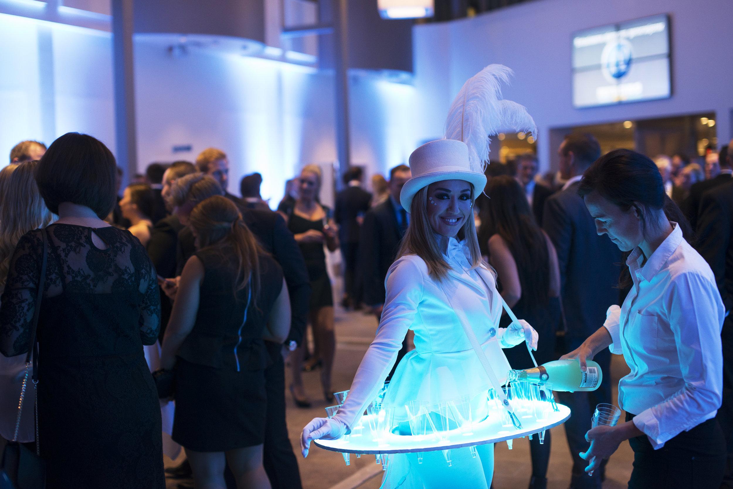 LED Roaming Table - White 5.jpg