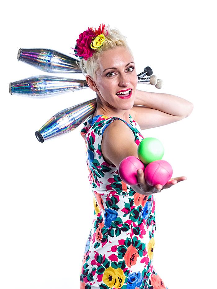 131112 kids juggle sml.jpg