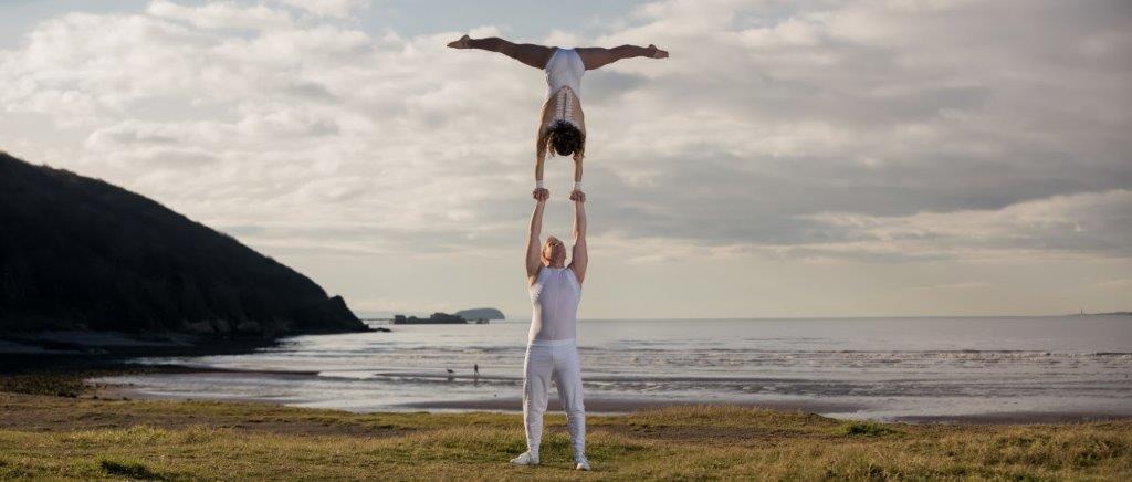 dance acrobats for hire