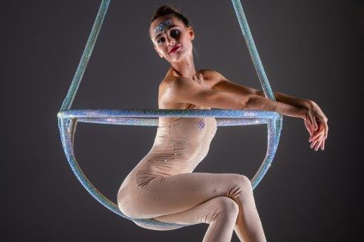 circus performer.jpg