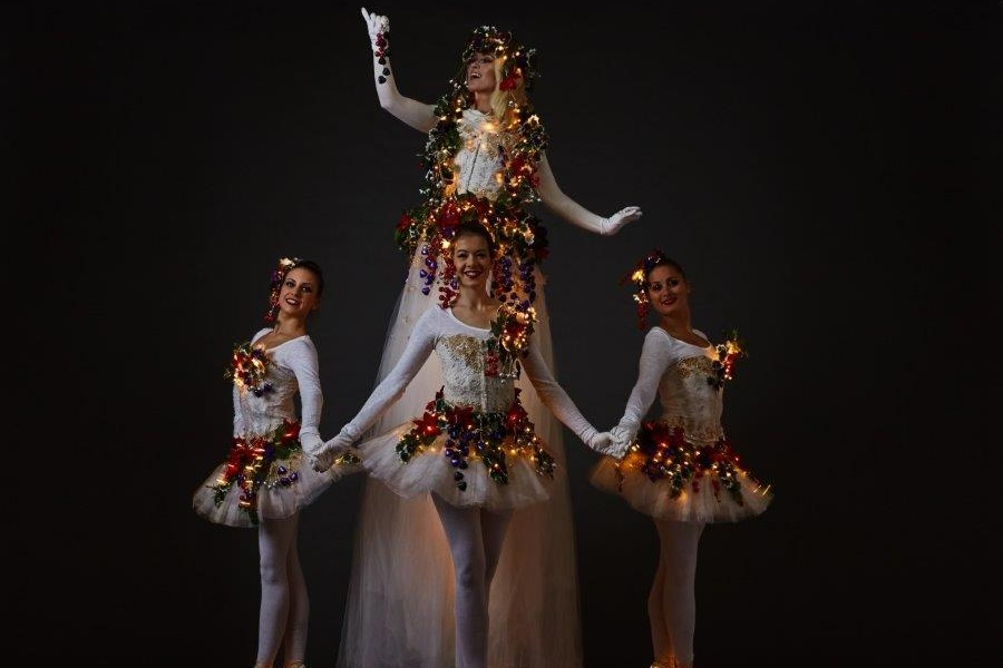 divine dancer stilt walkers.jpg