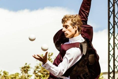 Jon Udry  Comedy Juggling