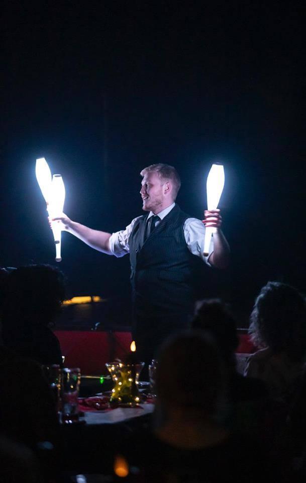 josh juggling.jpg