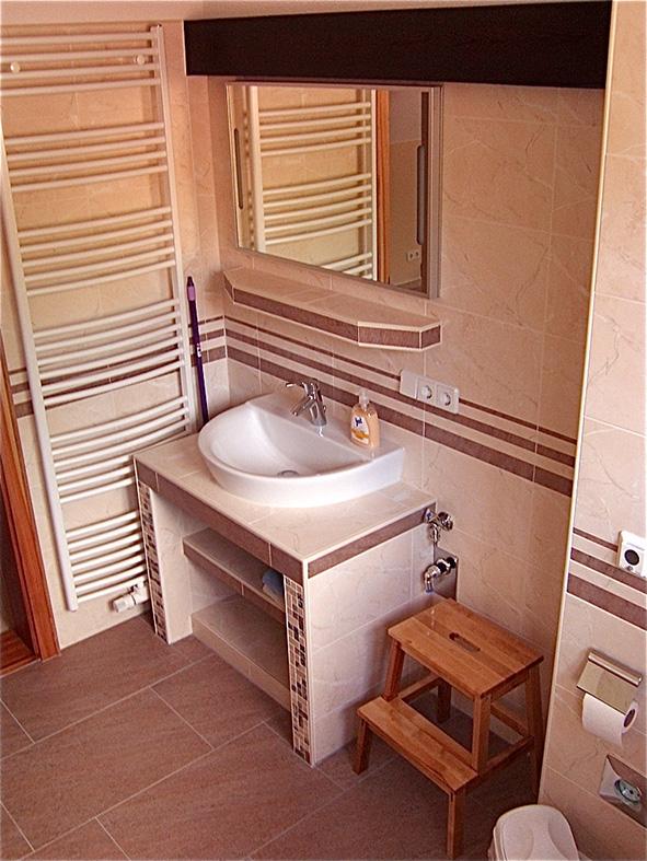Spreeloft-Bad mit Dusche und Wanne