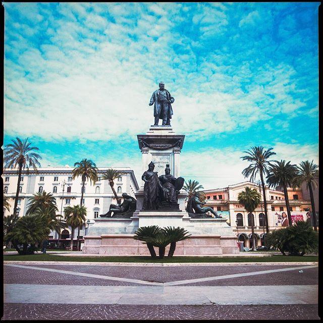 Rome... Hasselblad 503cx Kodak Portra 160 . . . . #120film #istillshootfilm #ourstreets_ #kodakportra160 #analogphotography #kodak #hasselblad #rome #italy🇮🇹 #italia #statue #travelphotography