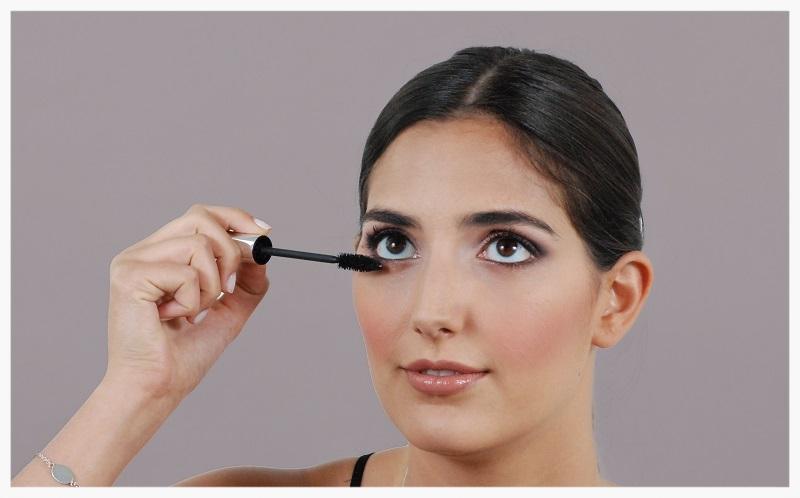 Coat the lashes with mascara