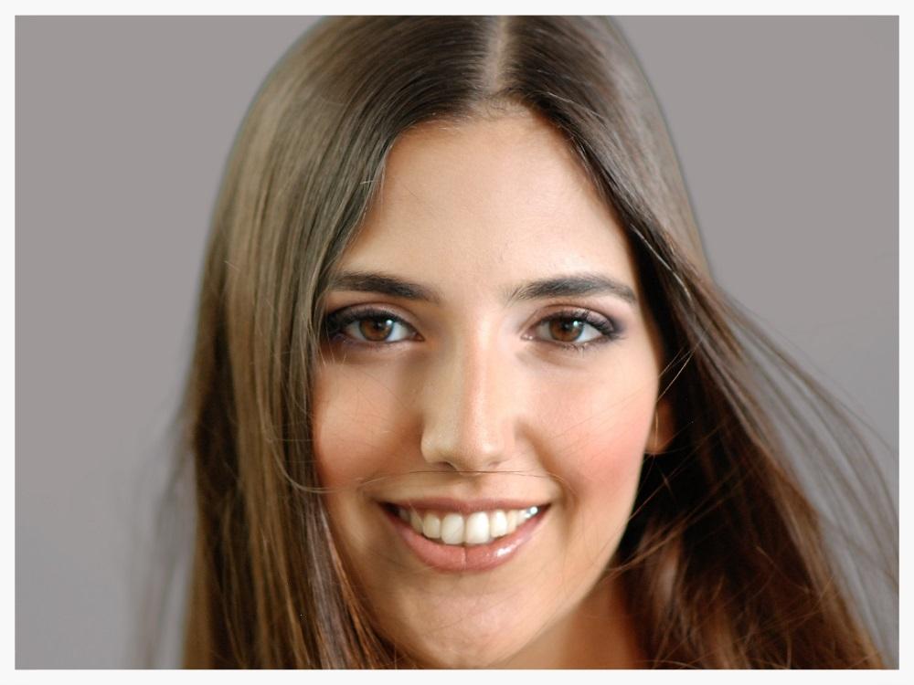 Final look of brown eyes makeup