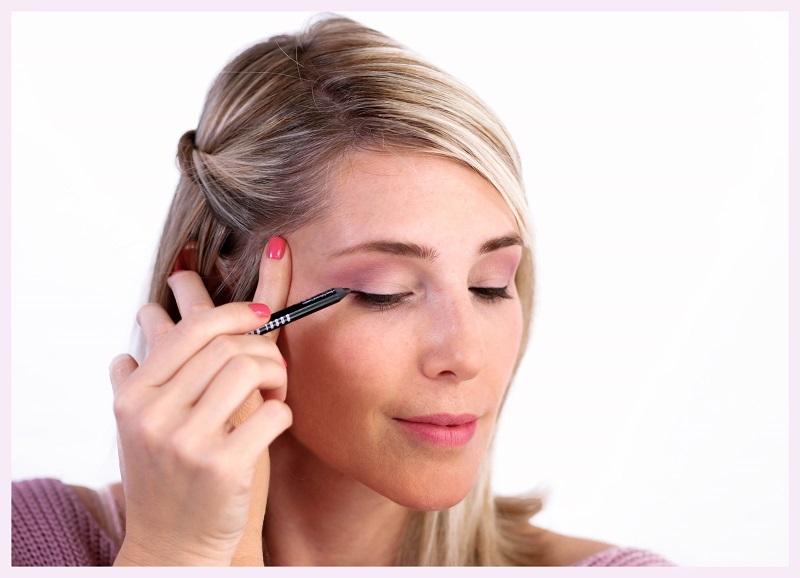 Adding soft liner across eyelids