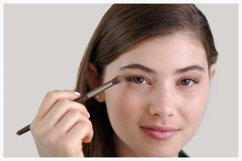 swipe medium brown eyeshadow