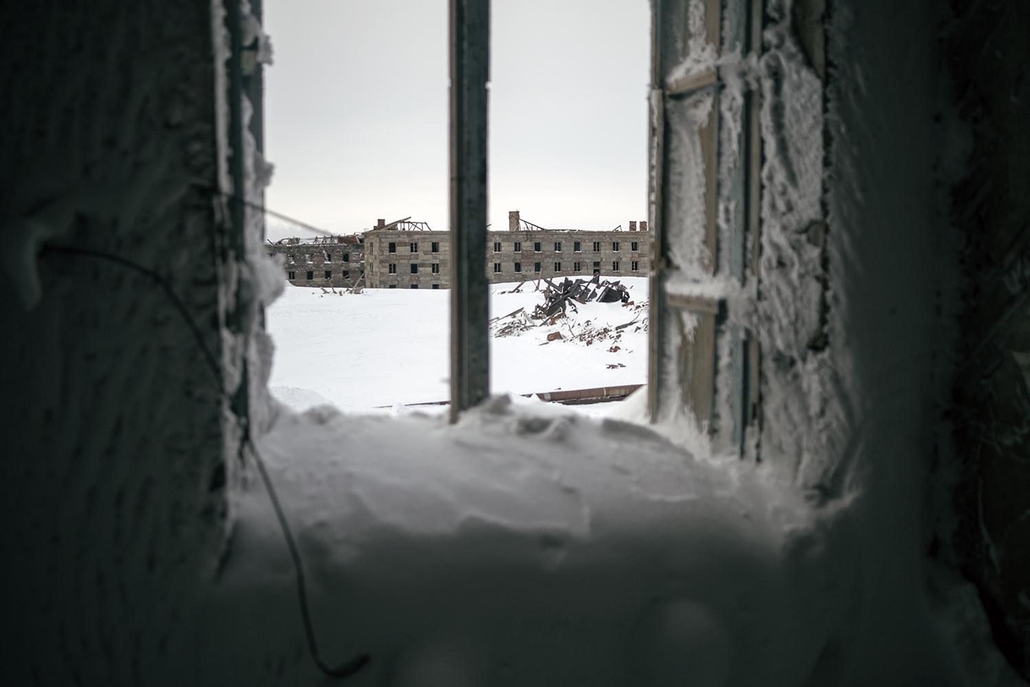 La ciudad vieja de Norilks es el lugar donde empezó todo y desde donde la ciudad fue creciendo poco a poco. Edificios de piedra con arquitectura clásica se mantiene helados en su interior, oficinas, almacenes, casas...
