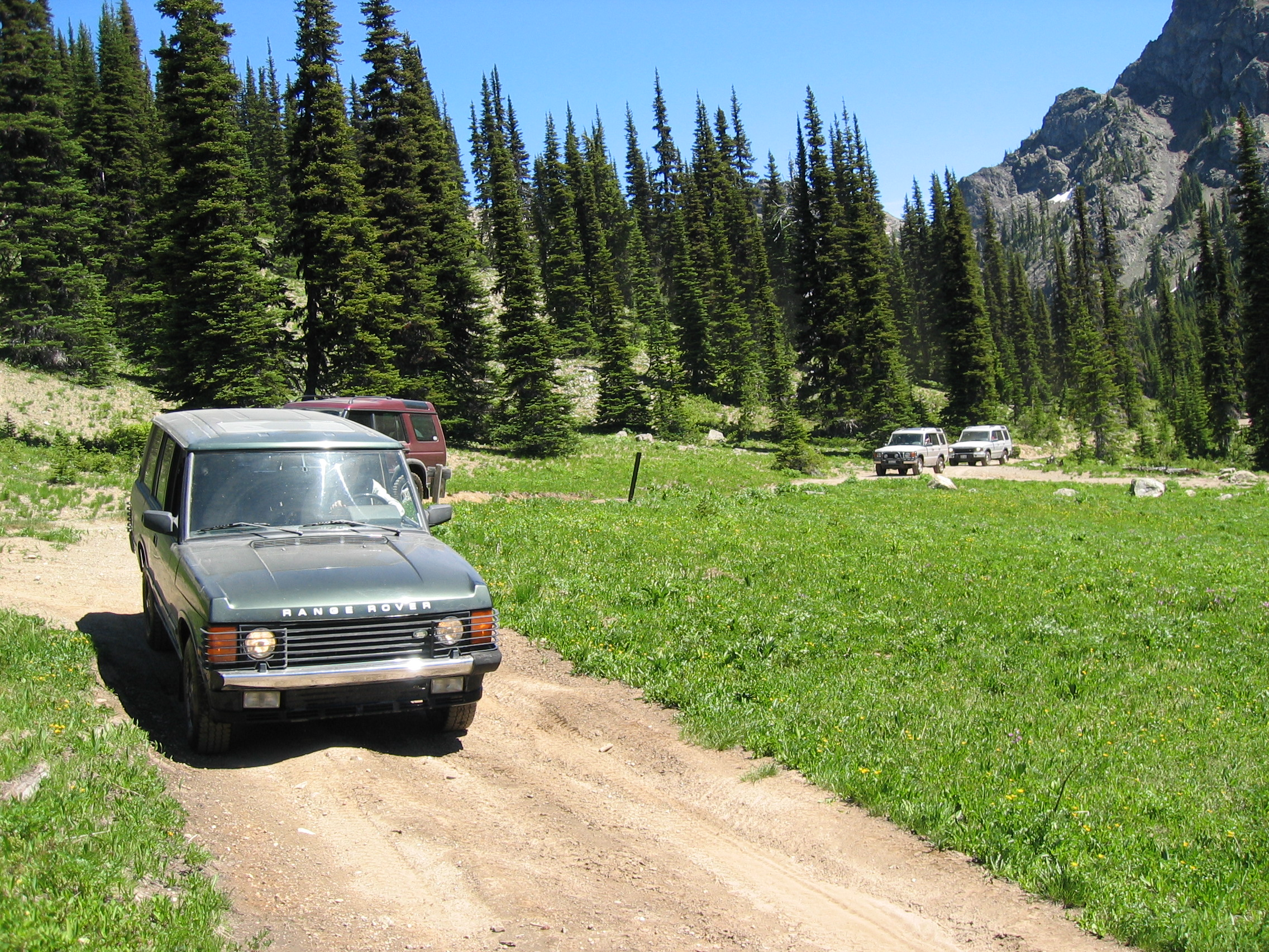 convoy nearing lake.JPG