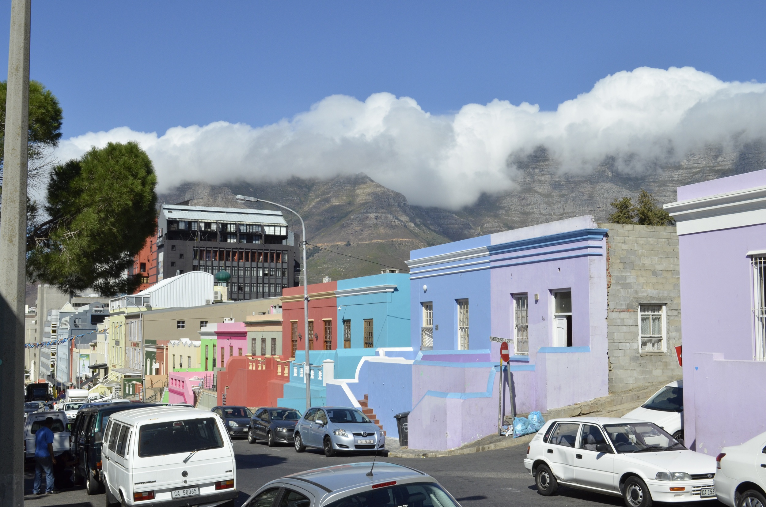 The tablecloth over the mountain behind Bo Kaap.  Note the new development encroaching on the historic neighborhood.