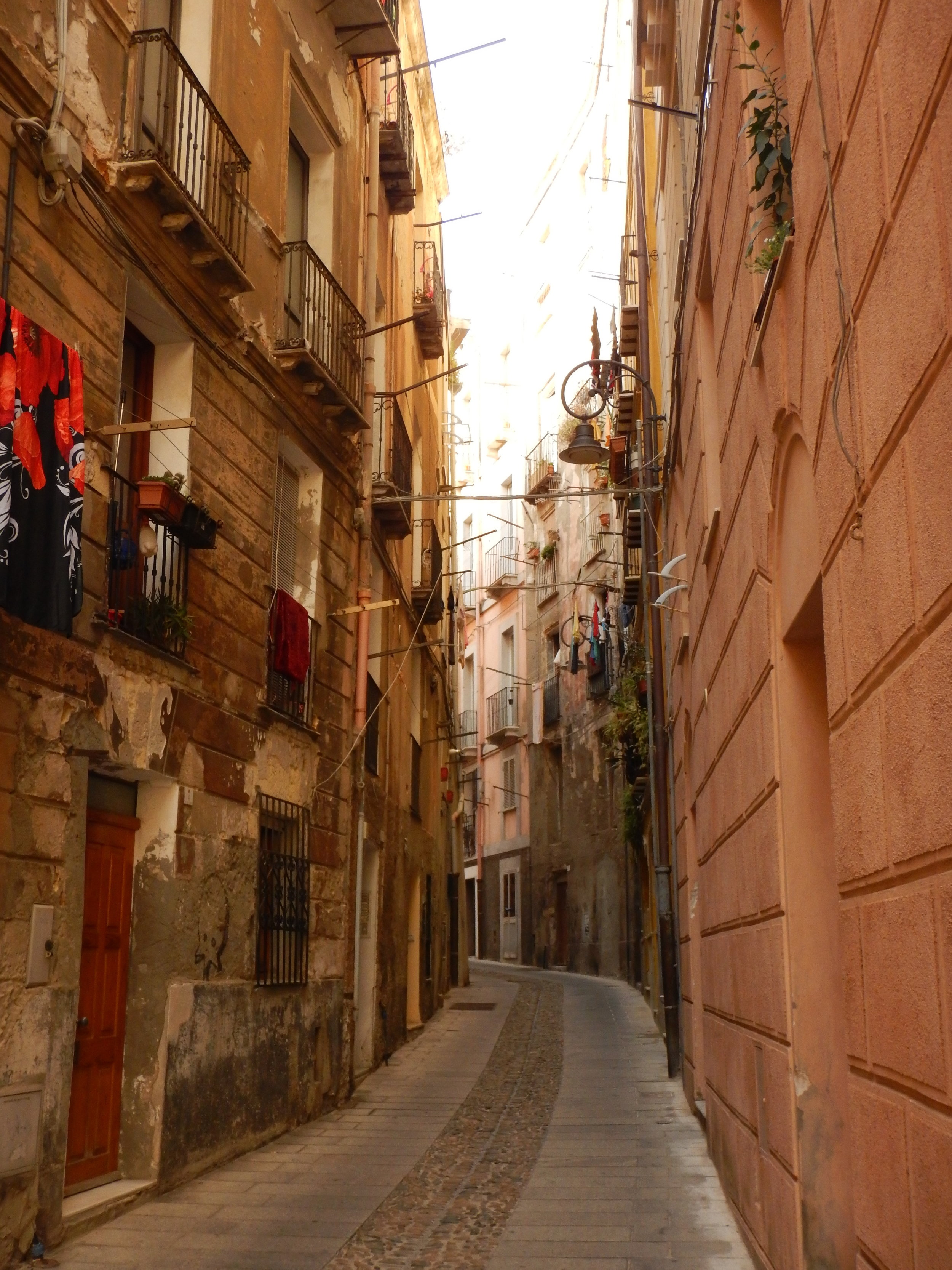 A quiet street within the bastion during the afternoon heat.