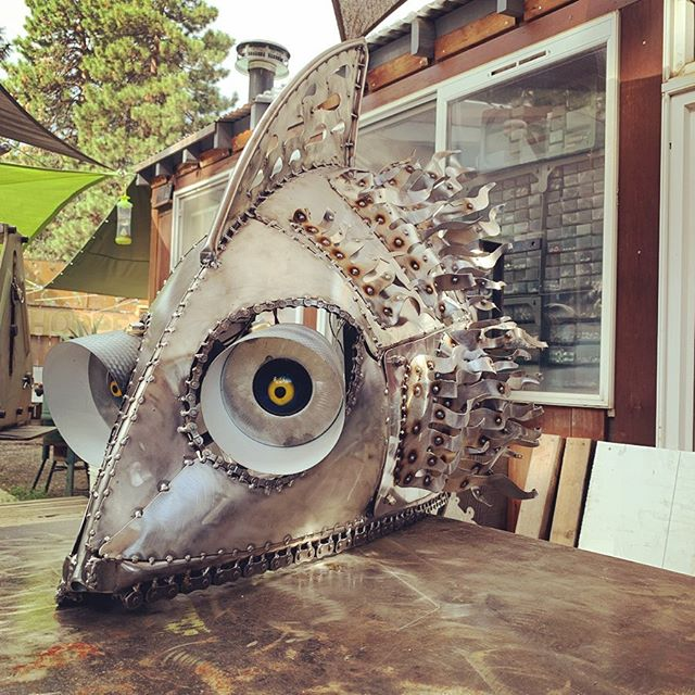Every piece I make is taken apart and put together many (it feels like too many) times. It's just part of the un-glorious process. ••• #kineticart #kineticsculpture #motorized #fishart #fishsculpture #automata #steelsculpture #sculpture #metalsculpture #contemporaryart #contemporarysculpture #modernart #modernsculpture #art #instaart #artstagram #art_empire #visualart #artcollective #interactiveart #interactivesculpture #chateauoart