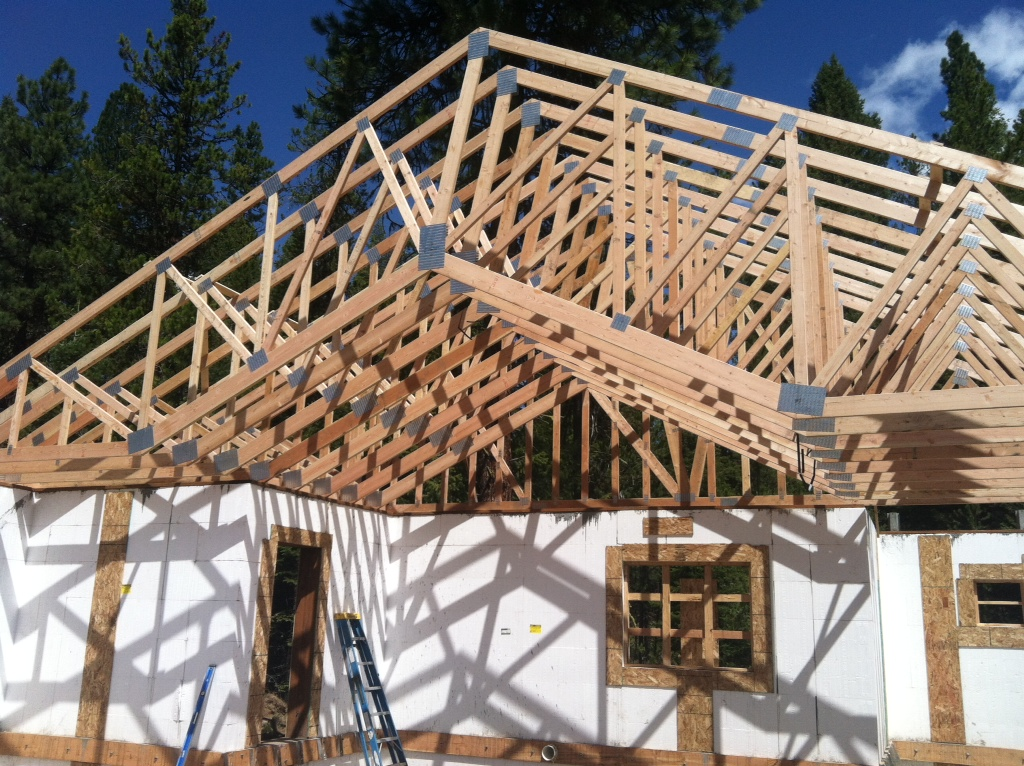 Here are the trusses being set.