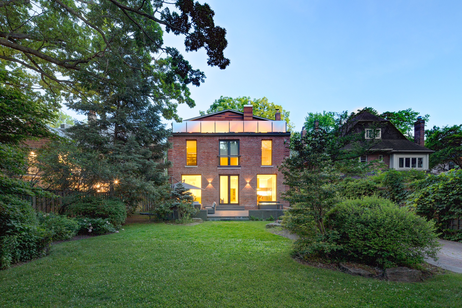 example of exterior shot photographed during ideal weather conditions. private residence by altius inc, toronto.