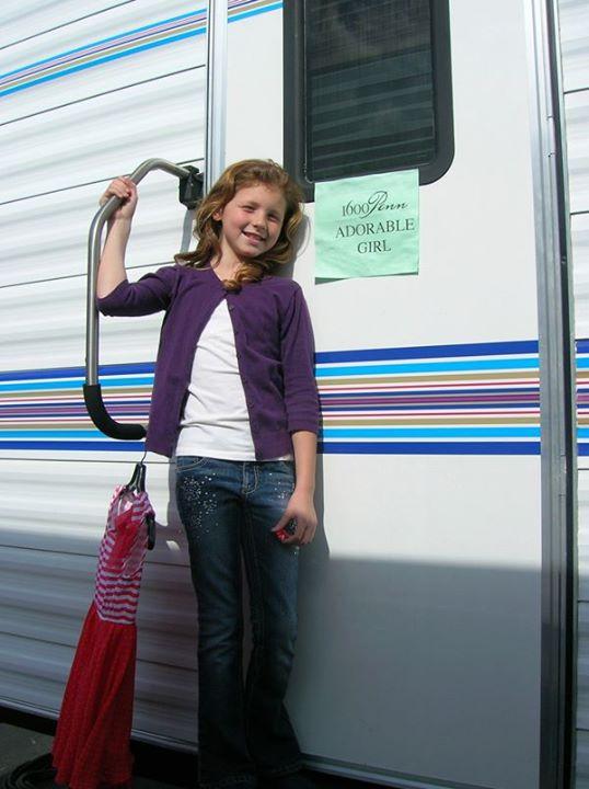 Ella on the set of 1600 Penn.
