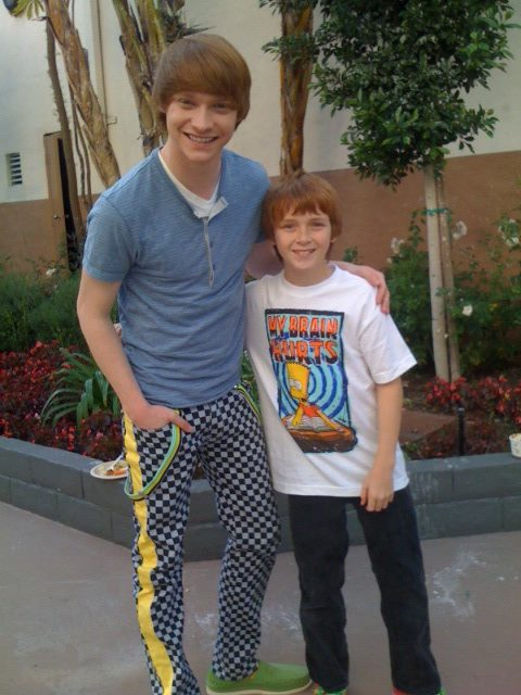 "Sam with Calum Worthy on the set of ""Austin & Ally""."