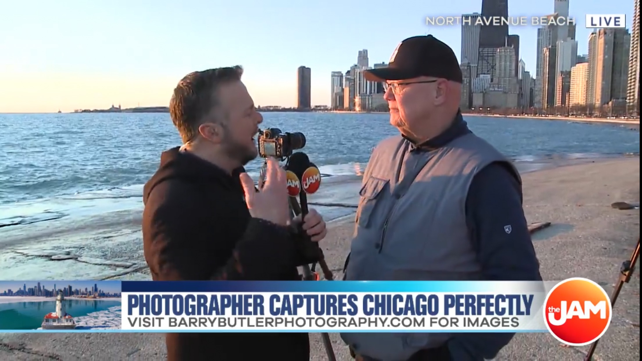 On March 26th, Barry spent time with the Jam morning tv show on WCIU-TV, Channel 26. Jon Hansen had Barry provide photography tips.