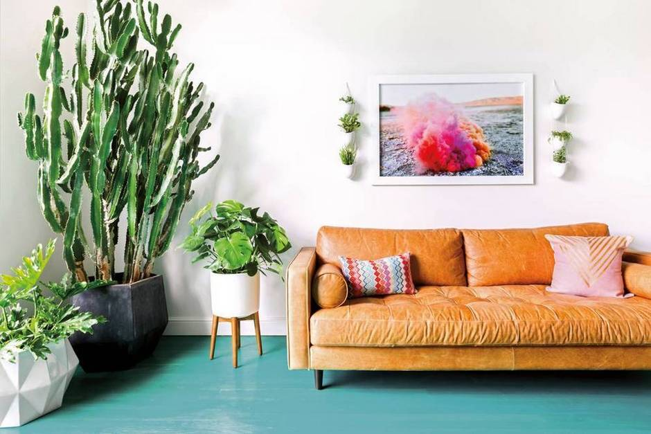 at-first-blush-a-beautiful-mess-elsie-larson-at-home-in-nashville-blue-and-brown-and-white-living-room-1475081109-57ebeb790da6a8082e0013ad-w1000_h627.jpg