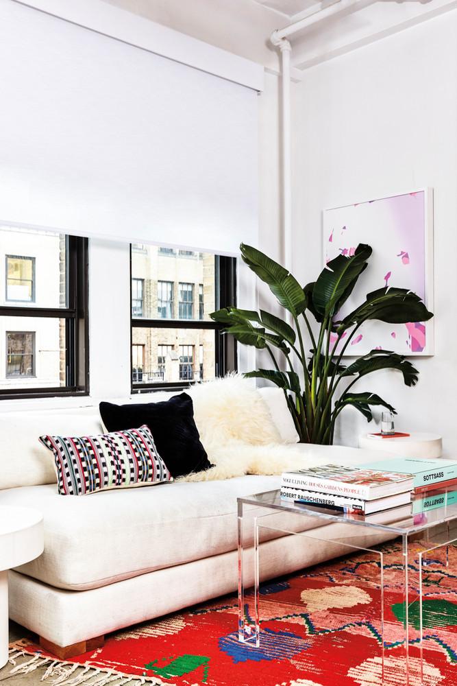 inside-the-domino-office-where-good-vibes-rule-white-living-room-5a21a1a722e9090844bfa7db-w1000_h1000.jpg