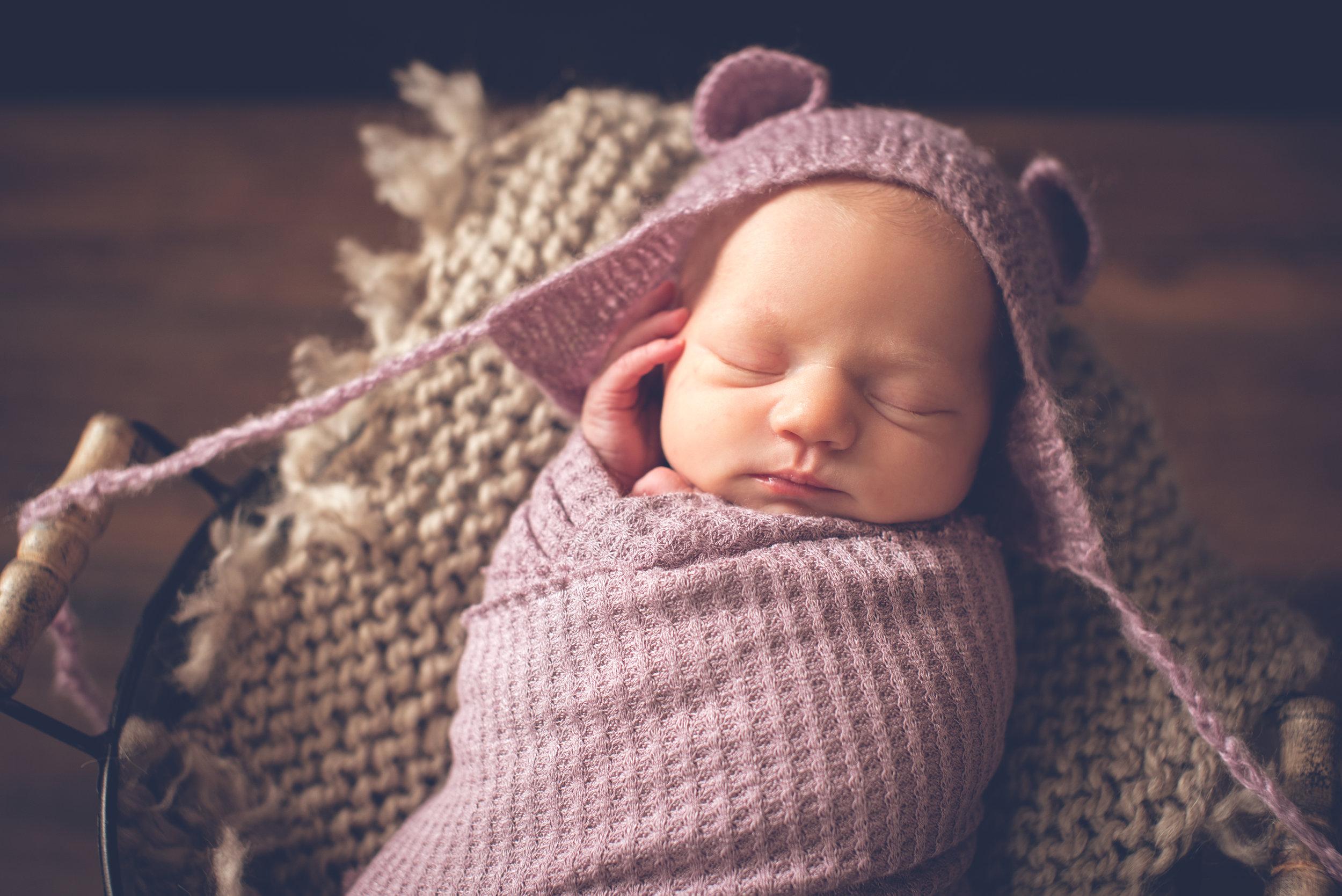 Newborn_AdalynnJane_9Days-11.jpg
