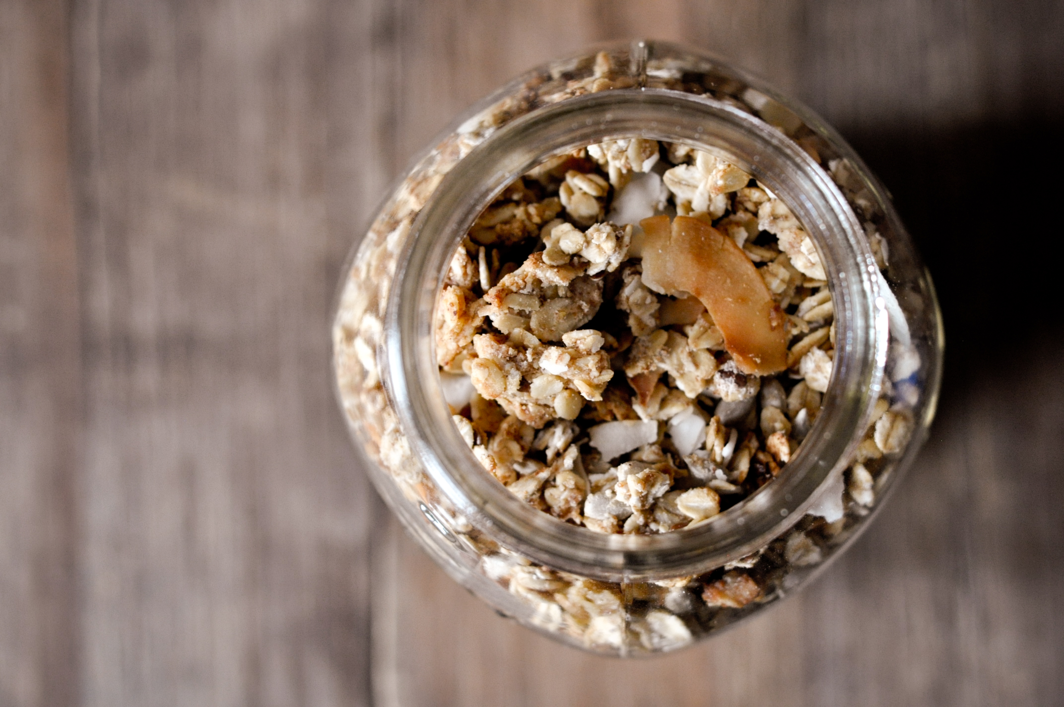 Homemade-nut-coconut-oat-granola.jpg