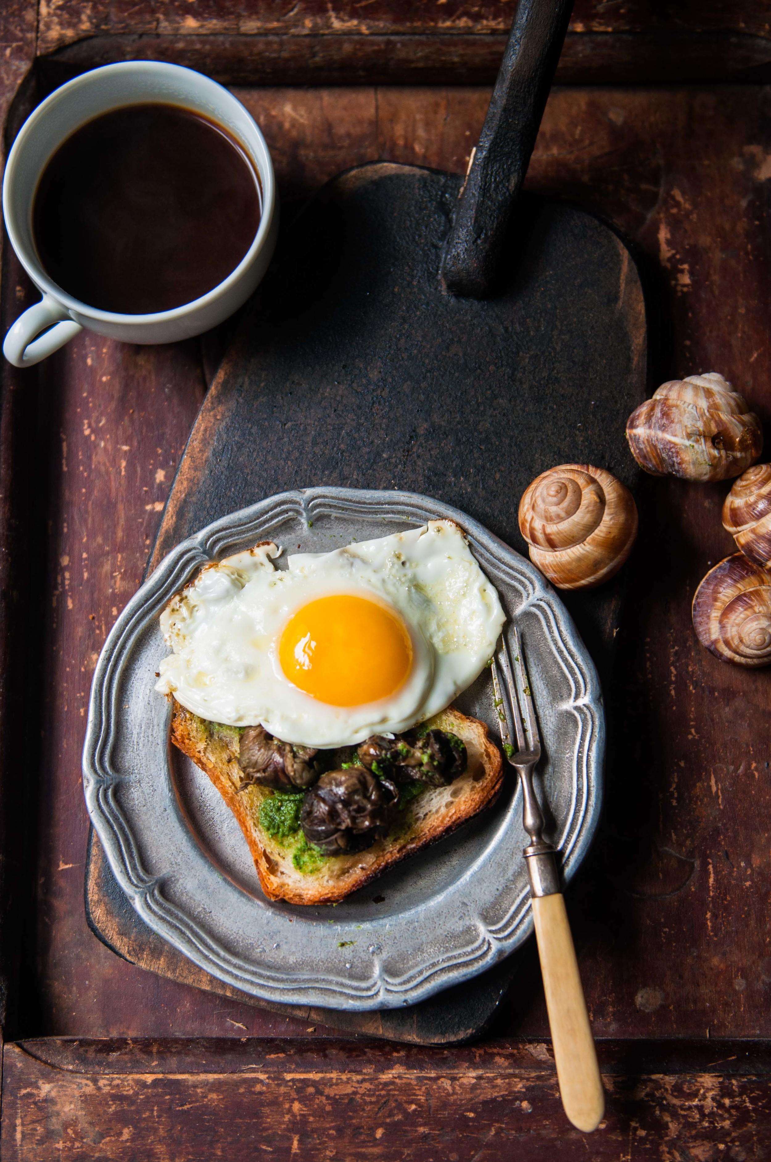 Pesto Roasted Escargots on Toast #putaneggonit