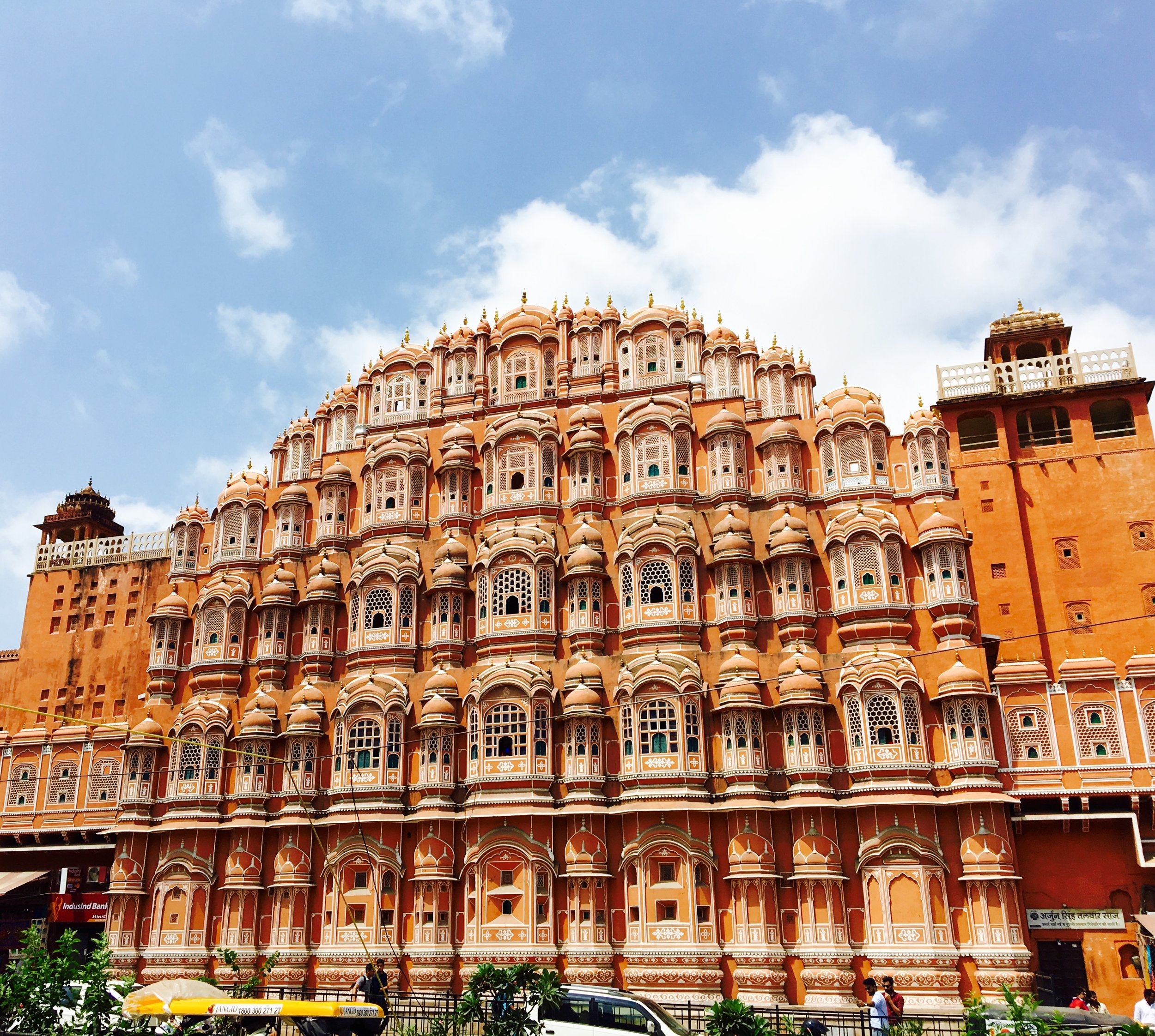 The Hawa Mahal (Air Palace)in the center of the Old City of Jaipur has a beautiful facade. Originally, named as such for the intricate criss crossing of windows that enahanced cross ventilation, most of the windows are now sealed. Yet, the face is still an arresting beauty!