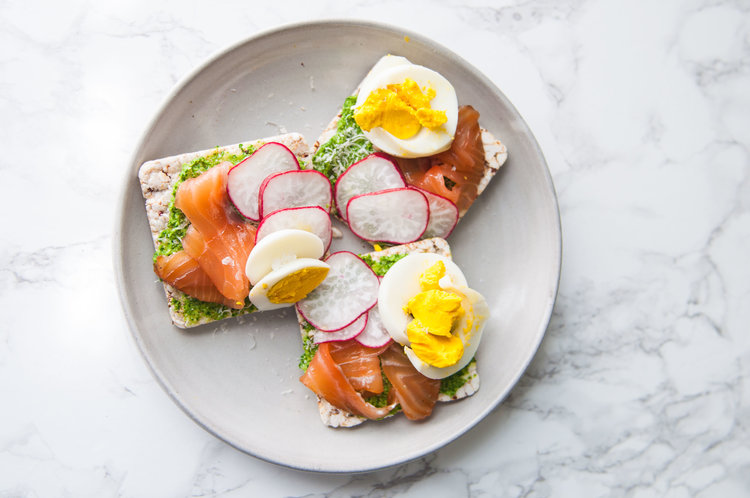 CURED SALMON CRACKERS