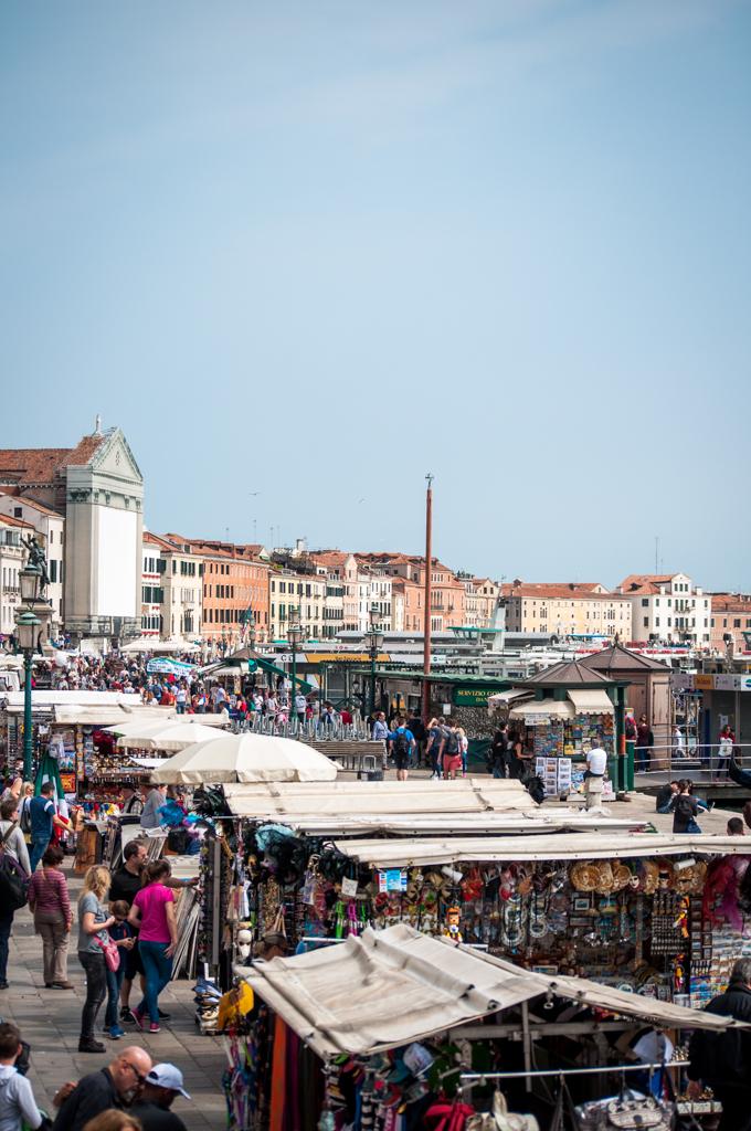 shops-along-the-sea-venice.jpg