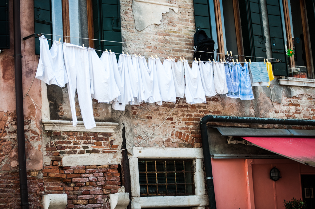 Venice-Life-laundry.jpg