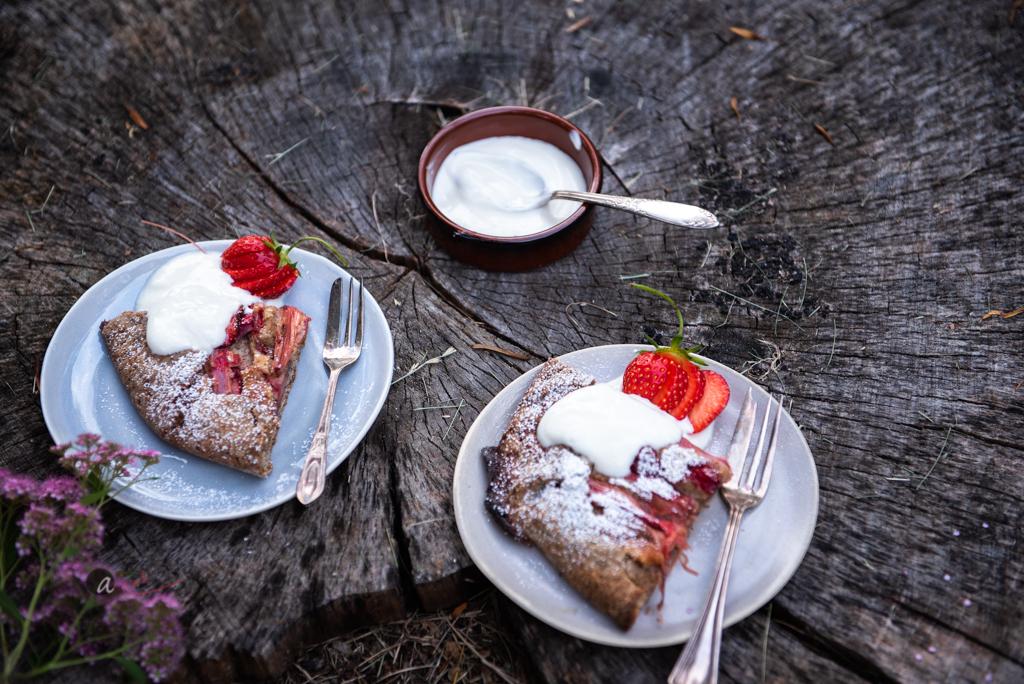 strawberry+rhubarb-galette-served3.jpg