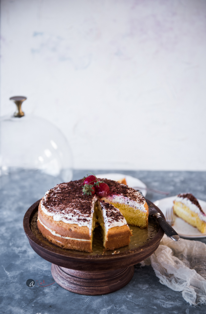 lemon-victoria-sponge-layer-cake-lemon-curd-filling-whole.jpg