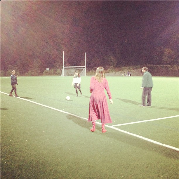 Joy Powers ('17), Colette Harley ('17) and Hannah Rothpearl ('17) and Professor Lyde Sizer (American History.) play soccer during halftime at a Sarah Lawrence women's soccer game.      Photo by Sarah McEachern '17