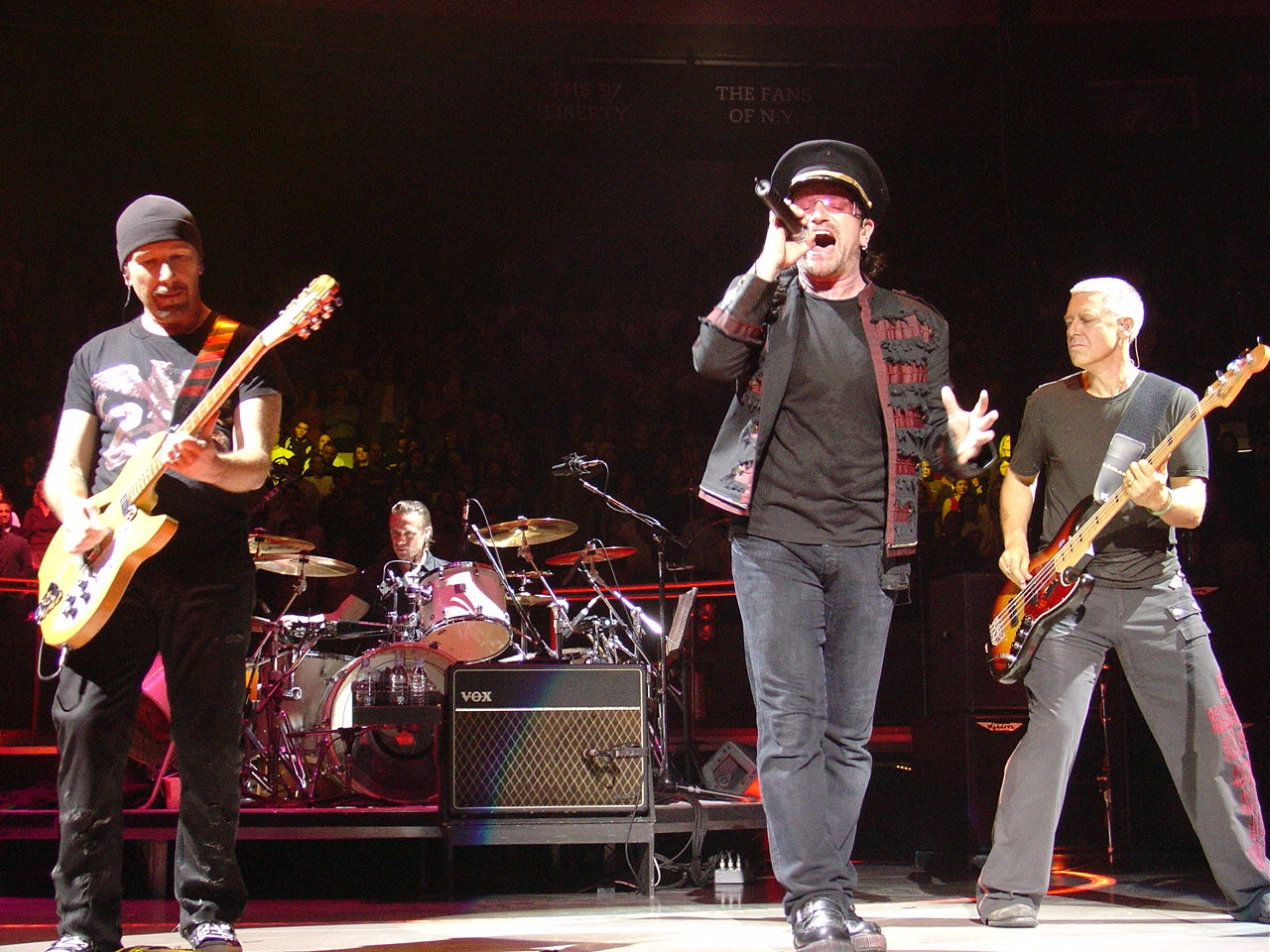 U2 performing at Madison Square Garden in 2005  Image © Wikimedia Commons